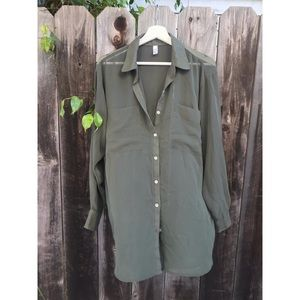 Stylish American Apparel sheer green button up